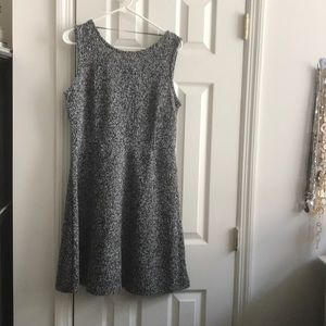 Sleeveless boucle dress.Perfect for work in summer